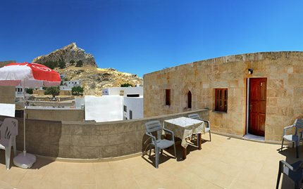 05-lindos-center-studios-Room7-Panorama2-900x